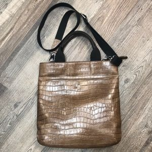 Lodi's brown leather crossbody purse